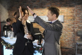 Alicia (Margulies) and Cary celebrate in THE GOOD WIFE