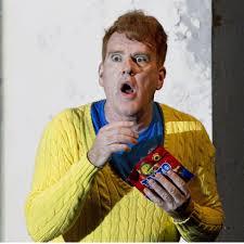 "Mikel Murfi as ""2,"" with his crisps"